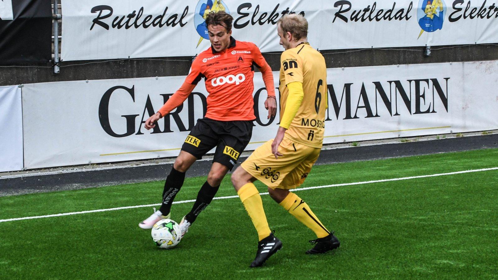 Kristoffer Nesse Stephensen slår tunnel på tidligere lagkamerat Vegard Leikvoll Moberg